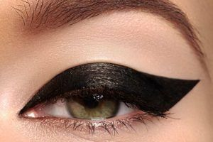maquillaje-ojos-noche-pin-up